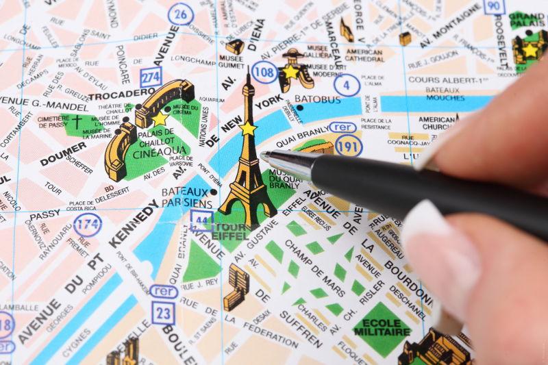 5 informations plus ou moins pertinentes à l'usage des touristes étrangers en France