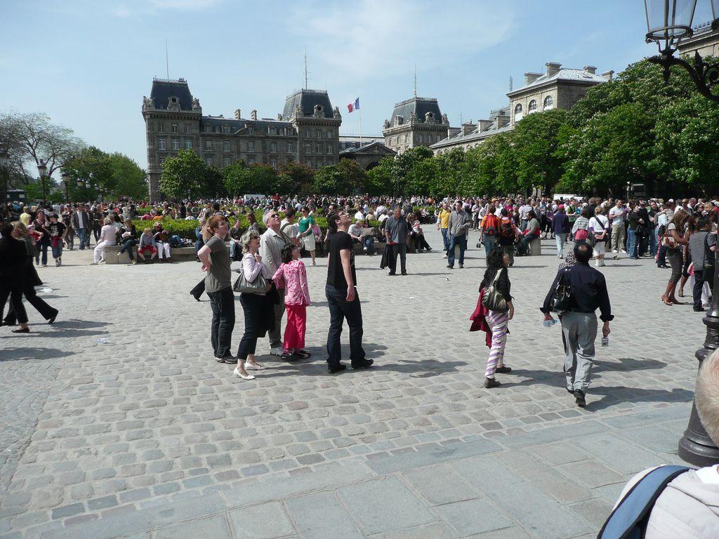 5 critères éprouvés pour repérer un touriste étranger à Paris